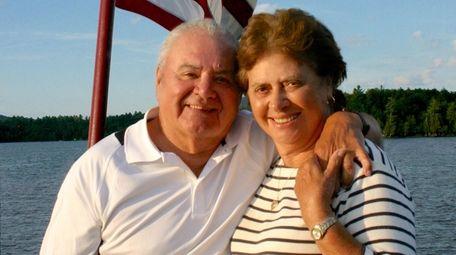 Vincent and Walda Corazón of North Bellmore celebrated