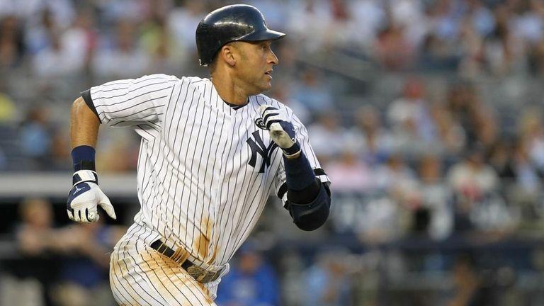 Derek Jeter #2 of the New York Yankees