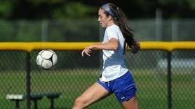 Maureen McNierney of Kellenberg against Wantagh High School