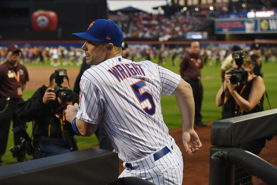 New York Mets third baseman David Wright runs