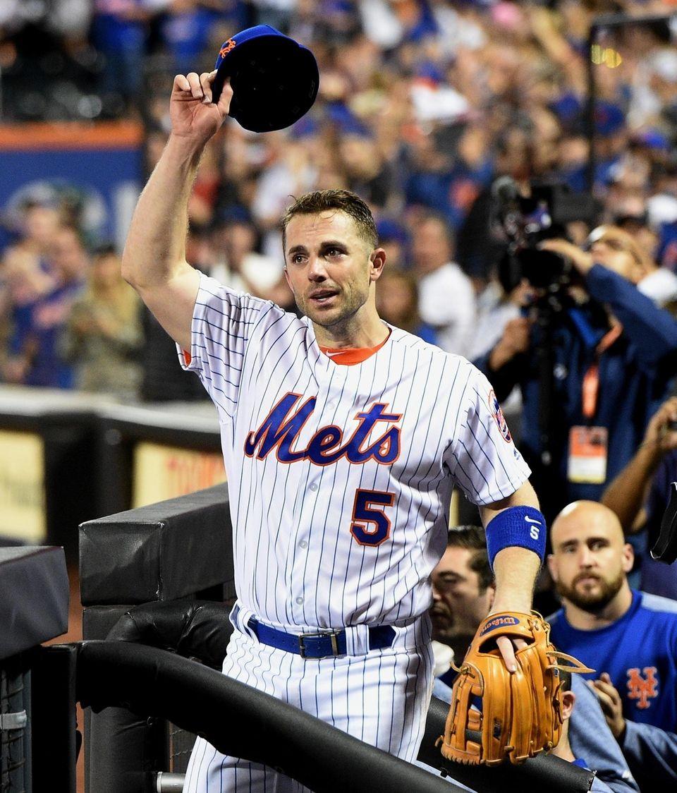 New York Mets third baseman David Wright tips