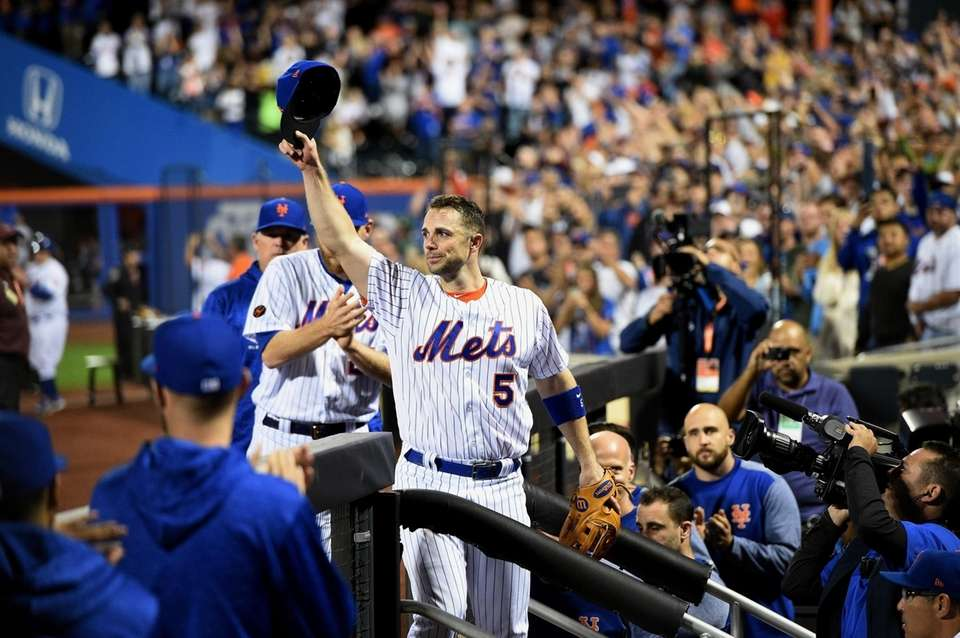 New York Mets third baseman David Wright tips