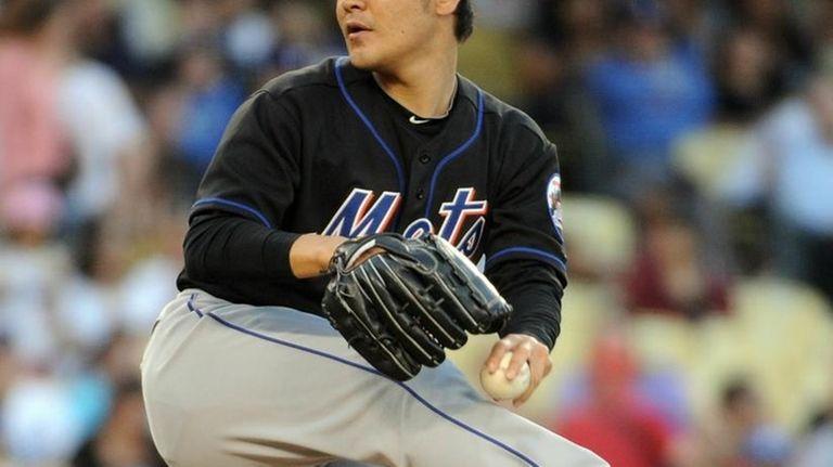 Hisanori Takahashi #47 of the New York Mets
