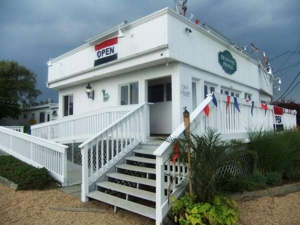 Mahon's Seafood Shack in Amagansett