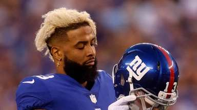 Odell Beckham of the Giants walks on the