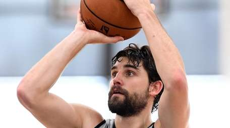 Nets guard Joe Harris shoots during preseason camp
