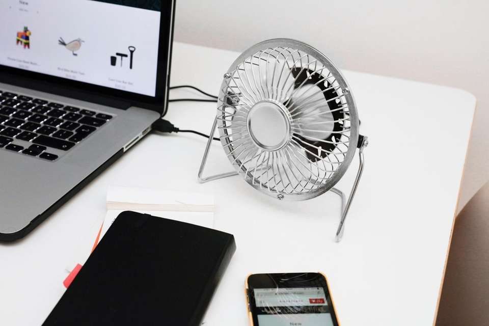 Stay cool in your cubicle with this USB-powered