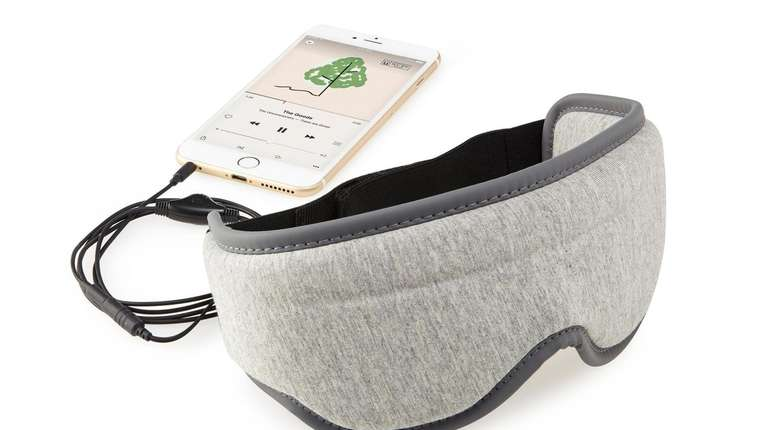This sleep mask blocks out all light and
