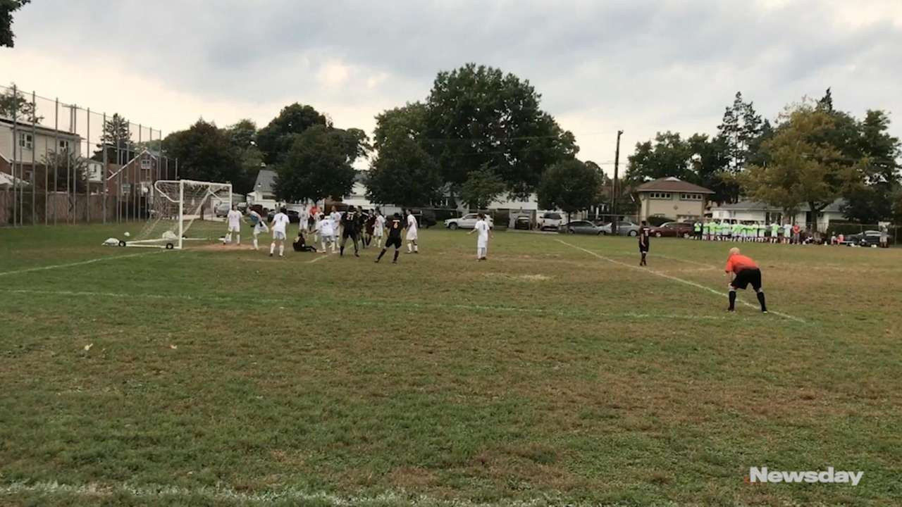 Syosset defeated host Uniondale, 2-0, in a Nassau