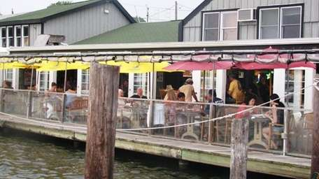Kingston's Clam Bar in West Sayville. Newsday photo