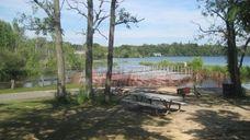 The picnic area at Lake Ronkonkoma County Park.