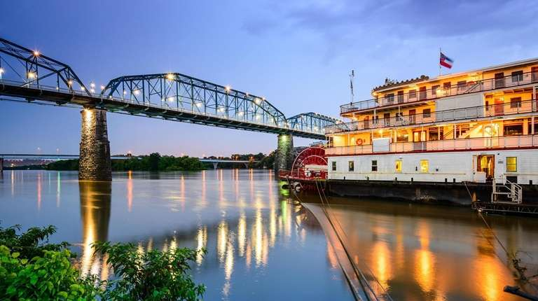 A riverboat plies the Tennessee River at Chattanooga.