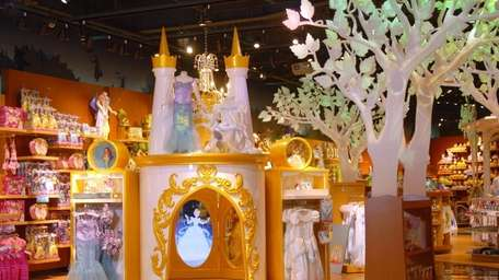 The Disney Store at Roosevelt Field Mall has