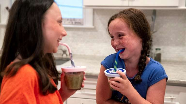 Cindy Schiff's kids drink smoothies at home in