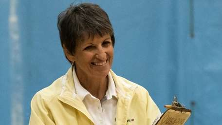 Bethpage girls volleyball coach Anne DiPrima during game