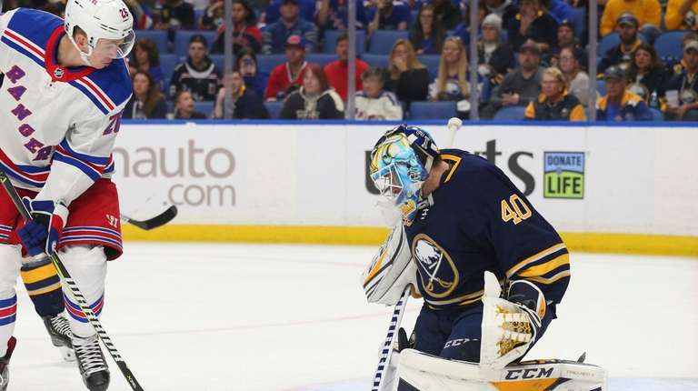Buffalo Sabres goalie Carter Hutton (40) stops New