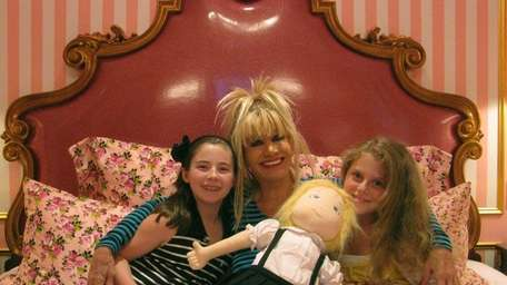 Fashion designer Betsey Johnson with Kidsday reporters Morgan