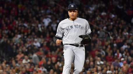 Yankees reliever Dellin Betances covers first base in