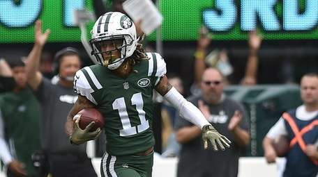 Robby Anderson of the Jets dashes for the
