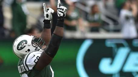 Kelvin Beachum of the Jets reacts after a