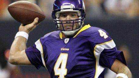 Minnesota Vikings quarterback Brett Favre throws a pass