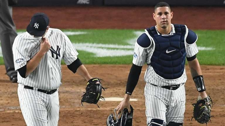 Yankees relief pitcher Lance Lynn and catcher Gary