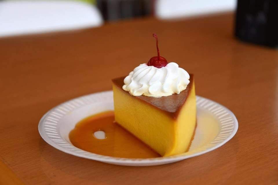 A slice of flan at Punto Rojo in