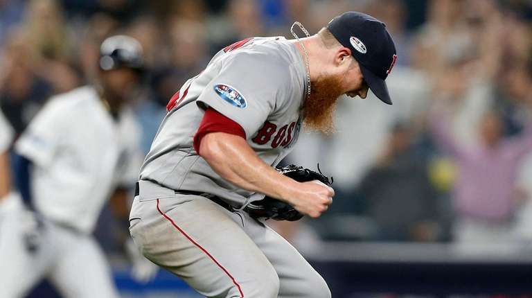 Craig Kimbrel struggled in the ninth inning, allowing