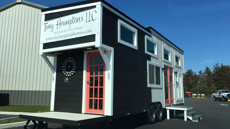 Tiny Hamptons builds custom houses and sells house