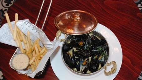Moules et frites at Aperitif, RVC