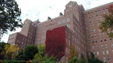 Development of the former Kings Park Psychiatric Center,