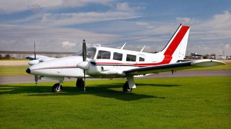 This Piper PA-34-200 Seneca is similar to the