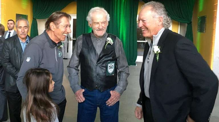 Joe Namath and former receiver Don Maynard were