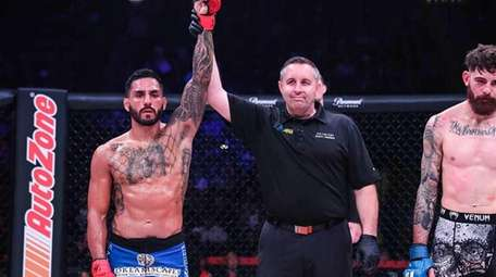 Henry Corrales defeated Andy Main at Bellator 208
