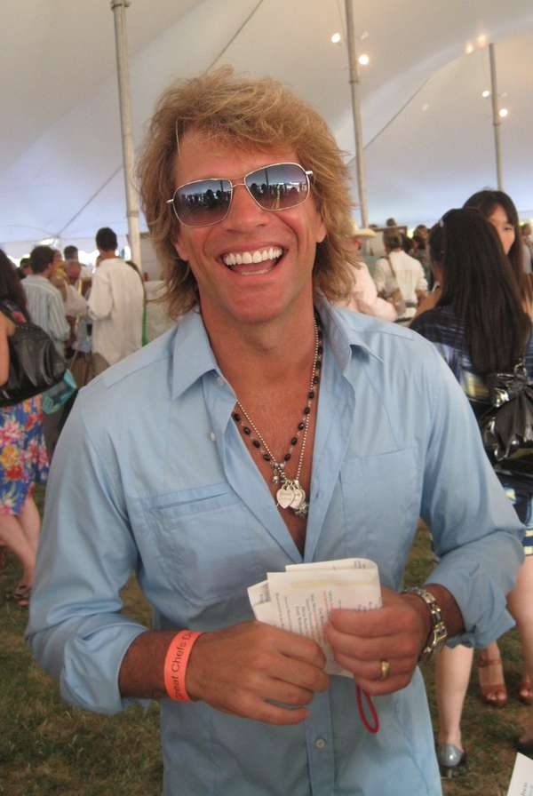 Jon Bon Jovi generously posed for photos with