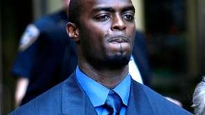 Former Giants receiver Plaxico Burress leaves Manhattan criminal