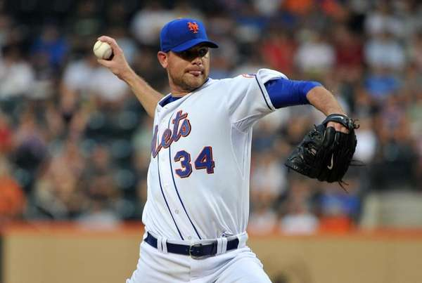 New York Mets starting pitcher Mike Pelfrey (34)