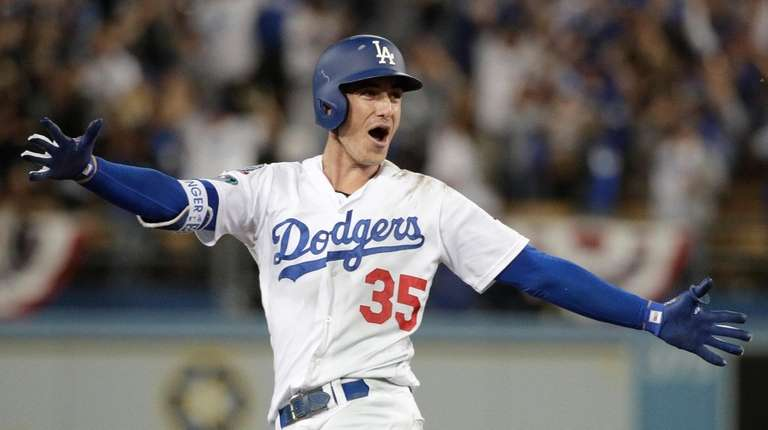 cody bellinger s walk off single in 13th wins game 4 for dodgers