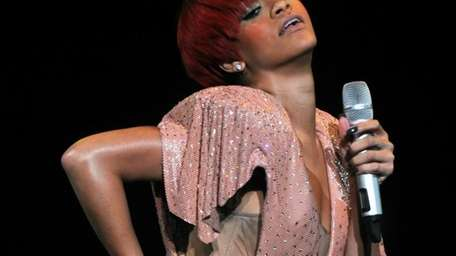 Rihanna performs at Madison Square Garden. (Aug. 12,