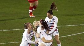 Rose Lavelle #16 of the United States celebrates