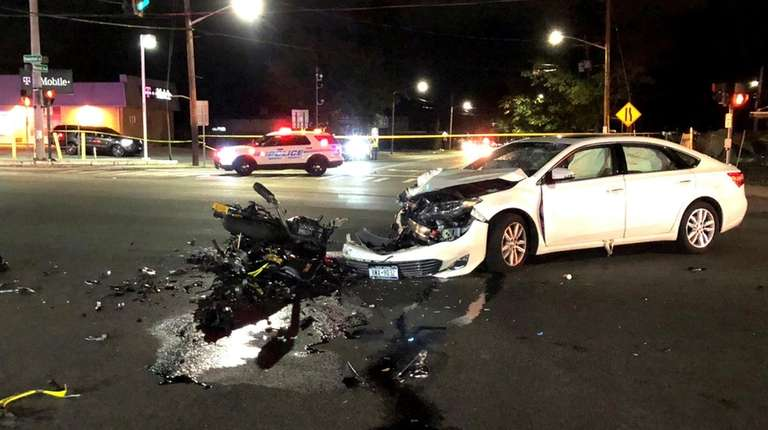 Motorcyclist taken to hospital after West Hempstead crash, police