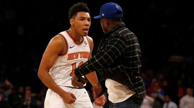 Allonzo Trier of the Knicks reacts with former