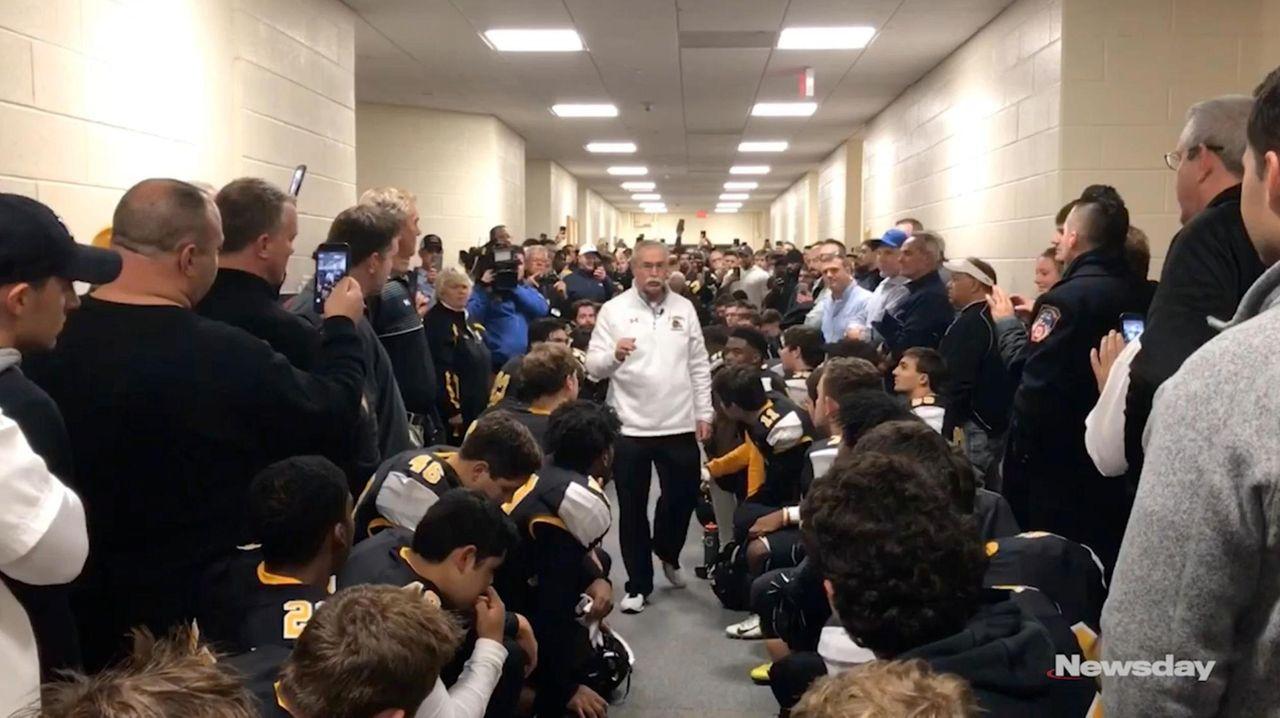Image St Anthonys Coach Rich Reichert Gives Pregame Speech