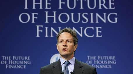 WASHINGTON - AUGUST 17: Treasury Secretary Tim Geithner
