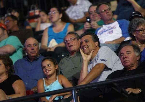 Fans watch Billy Joel's quot;Last Play at Sheaquot;