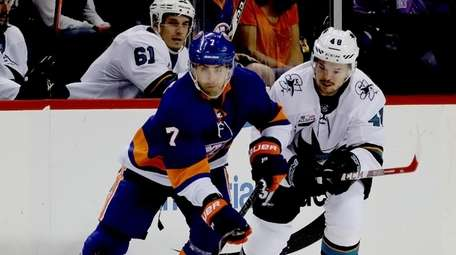Islanders wing Jordan Eberle (7) brings the puck