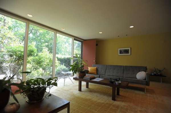 George Nelson designed this glass house in Roslyn