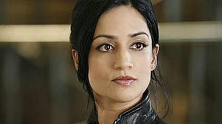 Archie Panjabi plays Kalinda, a tough in-house investigator