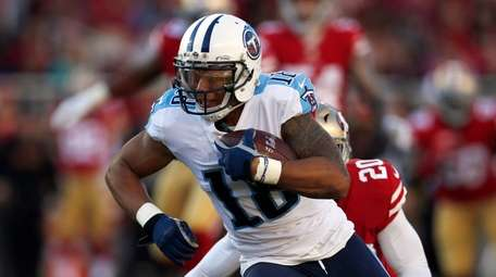 Rishard Matthews, now with the Jets, runs after
