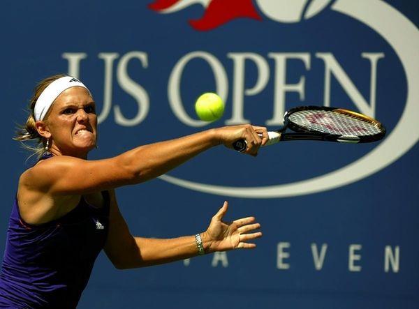 Melanie Oudin of the US against Olga Savchuk